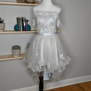 Metisu Dresses - Metisu silver, off shoulder, high-low dress size M